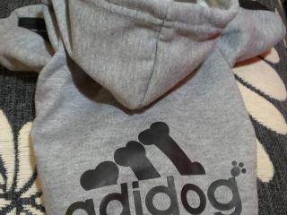 ,Teplá Adidog mikina pre psov - veľkosť S